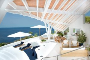 terrasse side with ocean view in the holidays mallorca